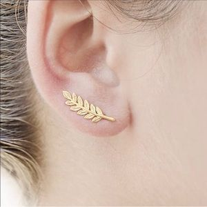 Gold Leaf Vine Ear Climber